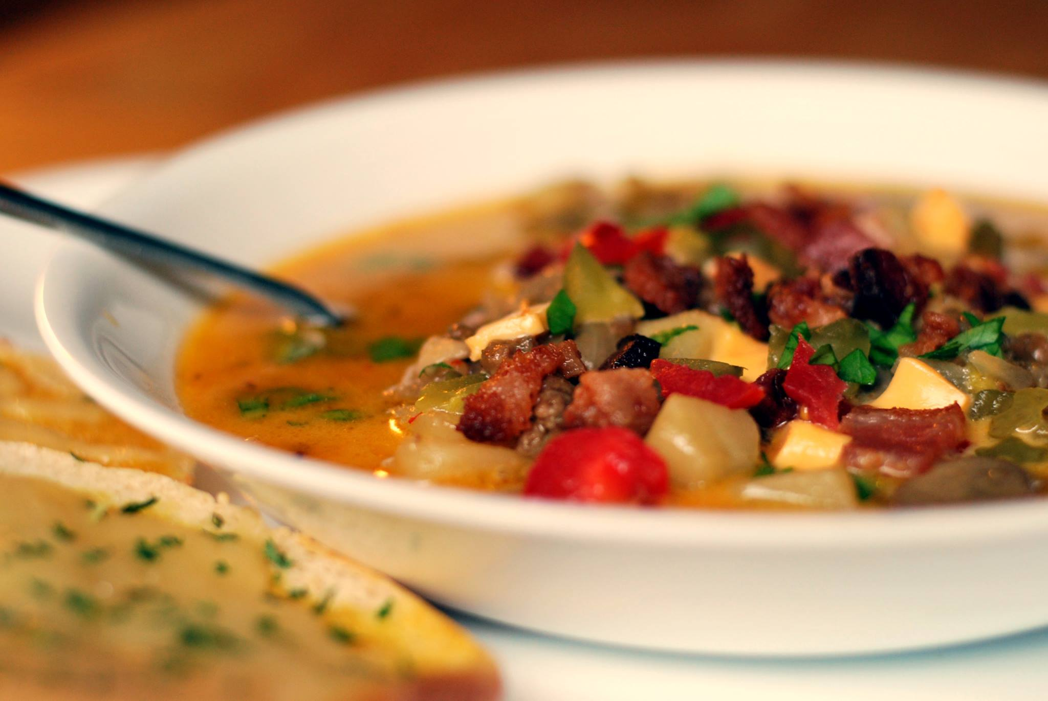 Bacon-Cheeseburger Potato Soup